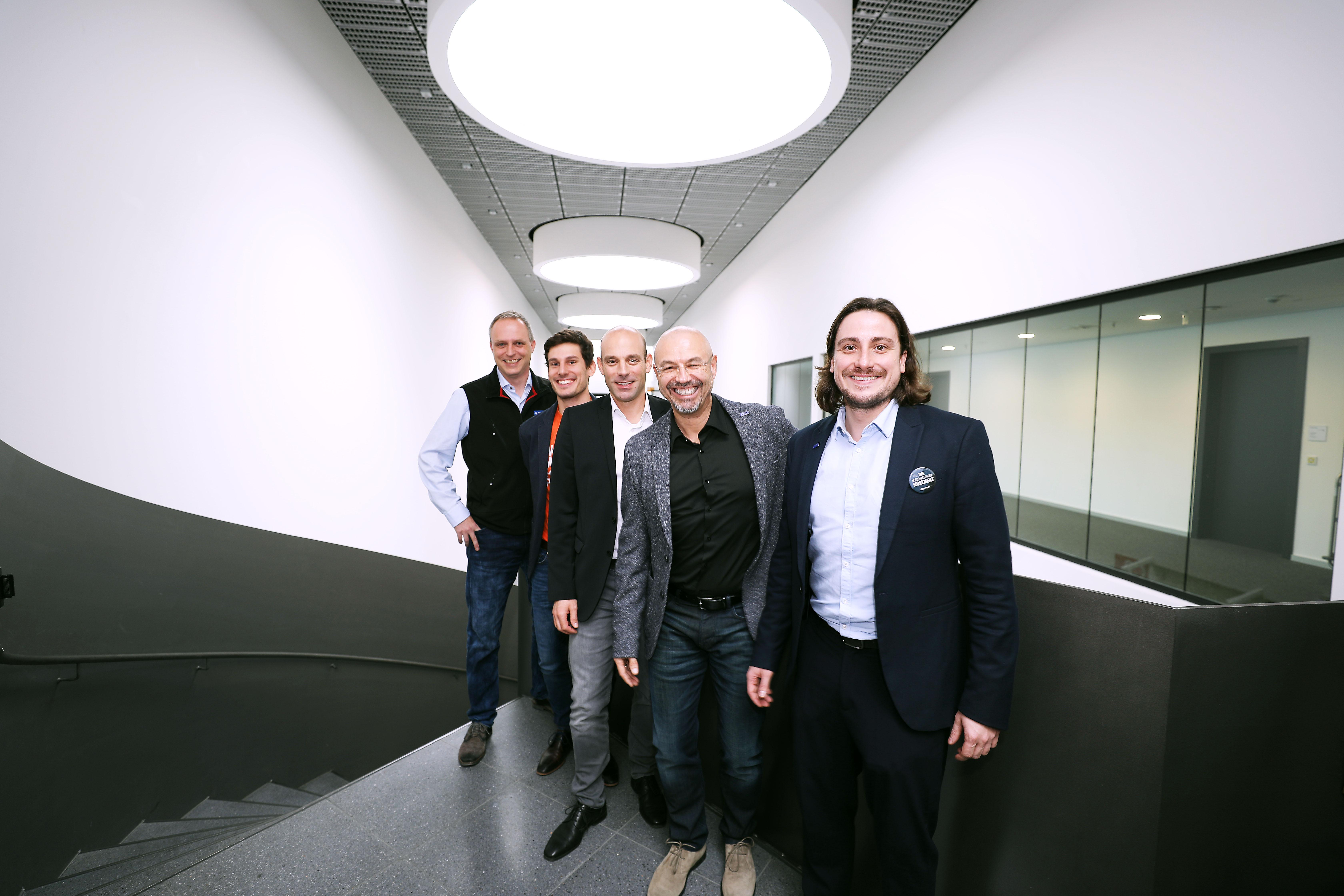 Marktspiegel-Werkzeugbau_Pressekonferenz-Messe-Stuttgart_Team.jpg